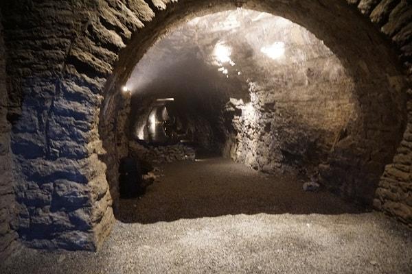 Lockport Cave Tour